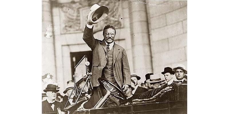 Theodore Roosevelt con il cappello di Panama. Via Pagina Facebook   PanamaHatEcuador f7982cfde248
